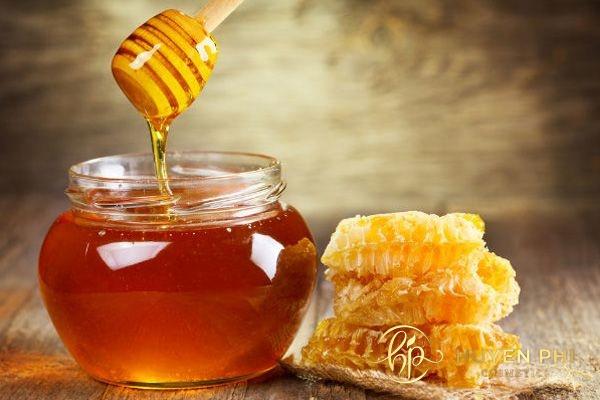 Mật ong và hạt ngũ hoa là giải pháp làm đẹp an toàn