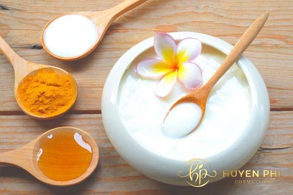 Bột nghệ và sữa chua bổ sung collagen tốt cho làn da phụ nữ