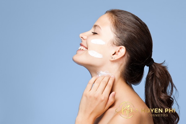 Dưỡng ẩm là bước quan trọng sau khi tẩy da chết