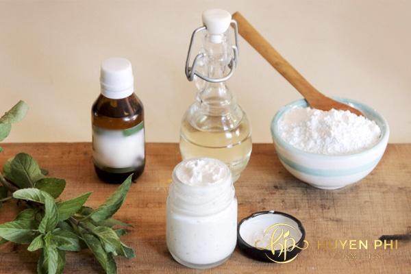 Baking soda và dầu dừa làm sạch da nhanh chóng