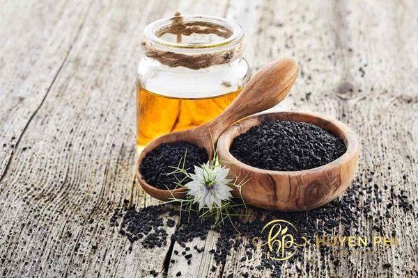 Mật ong và bã cafe là giải pháp tẩy da chết an toàn