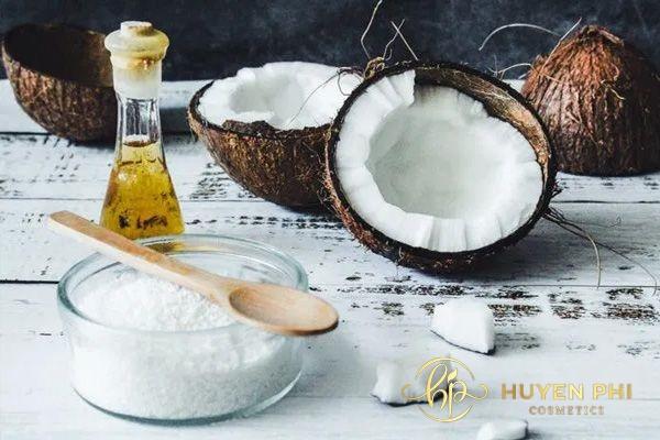 Muối và dầu dừa là công thức tẩy da chết phù hợp với nhiều chị em