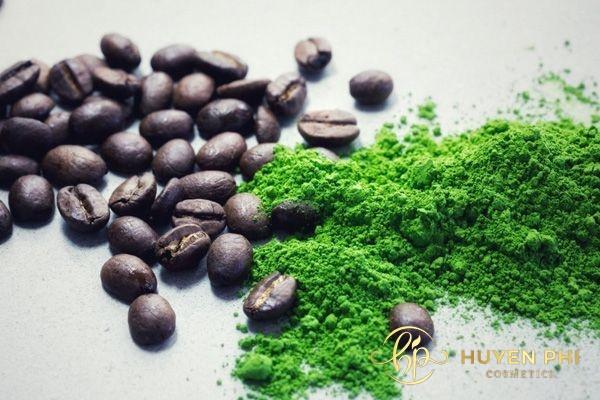 Trà xanh và bã cafe là nguyên liệu làm đẹp da an toàn