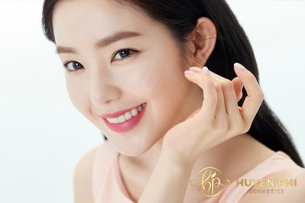 Sử dụng kem chống nắng đa năng để tăng hiệu quả trang điểm cho da
