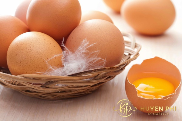 Làm trắng da khi học với trứng gà