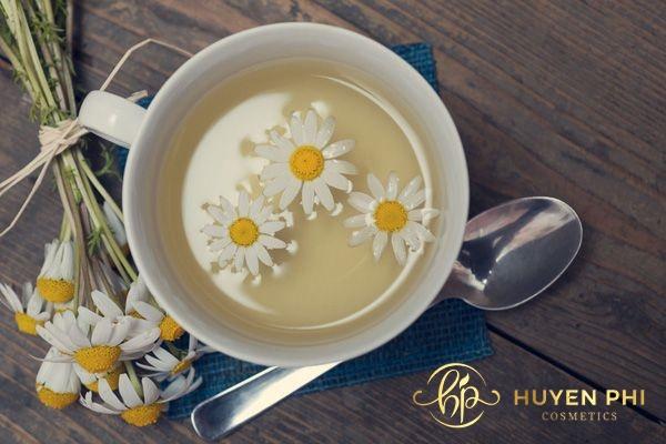 Trà hoa cúc có nhiều chất dinh dưỡng chăm sóc và bảo vệ da