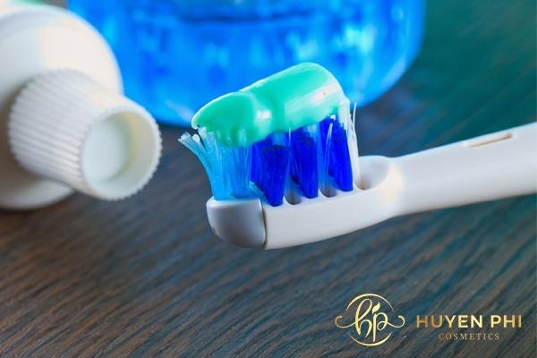Kem đánh răng làm mềm lông giúp triệt lông hiệu quả