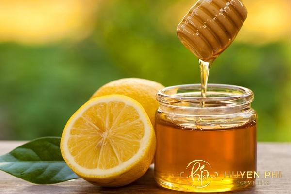 Mật ong và chanh là nguyên liệu chủ yếu được sử dụng trong triệt lông
