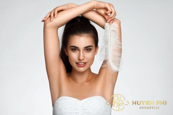 Triệt lông nách cần chú ý vệ sinh vùng nách để hạn chế tình trạng viêm nhiễm trên da
