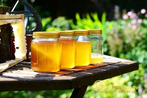 Mật ong là phương pháp triệt lông được nhiều người áp dụng