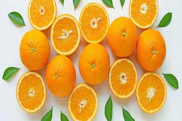 Trong cam có các tinh chất làm trắng da tự nhiên hoàn hảo