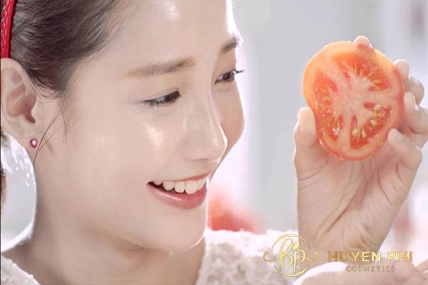 Đắp mặt nạ cà chua có tác dụng gì? Công dụng tuyệt vời cho làn da - Ảnh 1