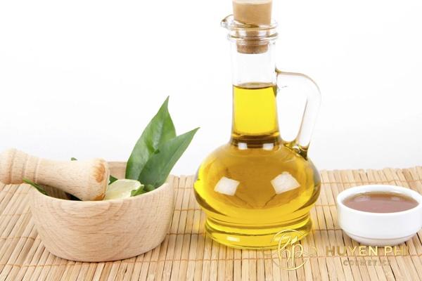 Mật ong, chanh và dầu oliu là mặt nạ hoàn hảo dành cho các chị em