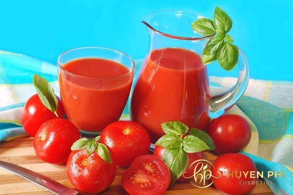 Cà chua có chứa nhiều dưỡng chất làm mờ vết thâm hiệu quả
