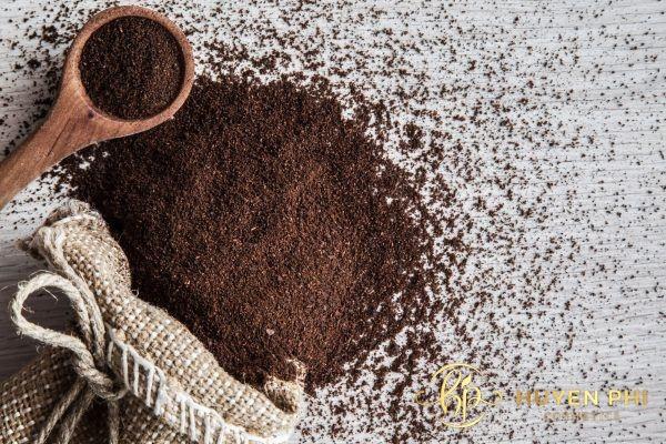 Bã cafe tăng khả năng làm sạch lỗ chân lông hiệu quả