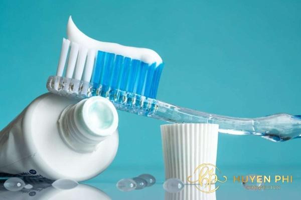 Kem đánh răng là nguyên liệu triệt lông hiệu quả