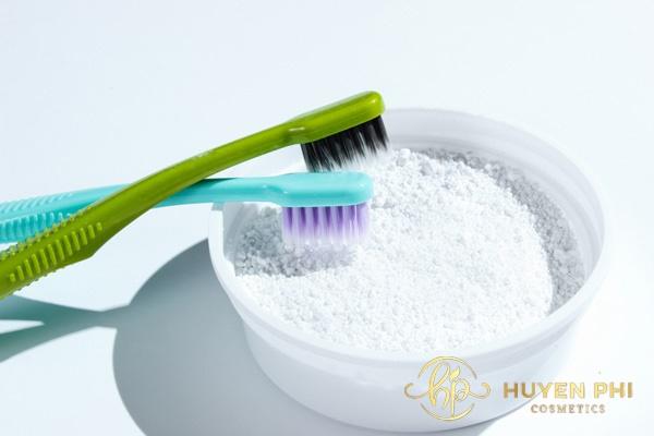 Muối và kem đánh răng là bộ đôi triệt lông hiệu quả
