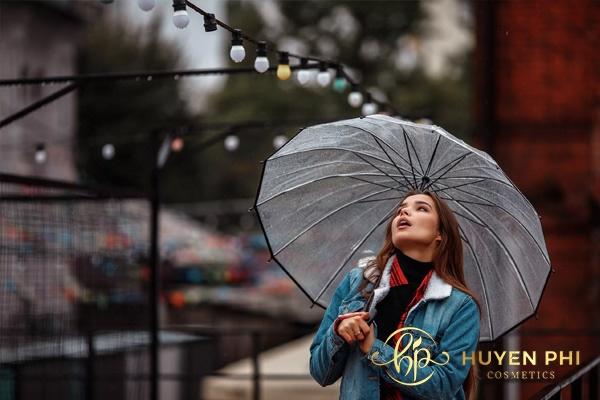 Tia UV xuất hiện trong trời mưa gây hại âm thầm cho làn da
