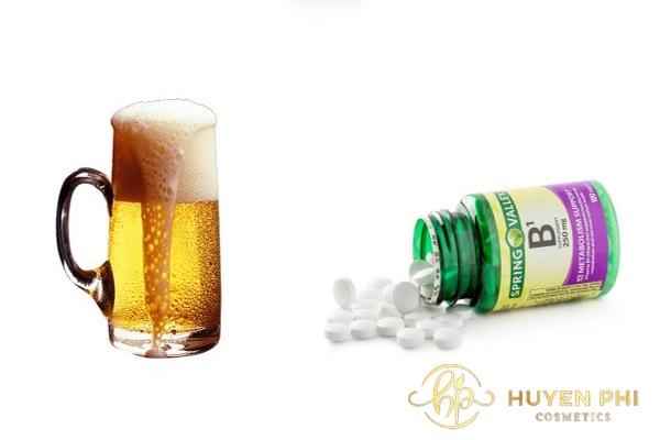 Vitamin B1 và bia làm dịu da, giúp da mềm mại mịn màng