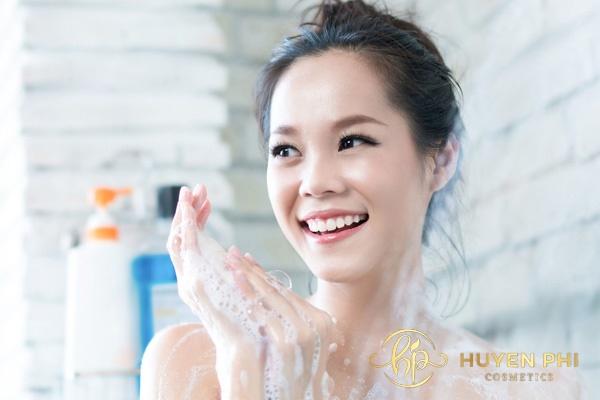 Làm sạch da toàn thân để tăng hiệu quả thẩm thấu