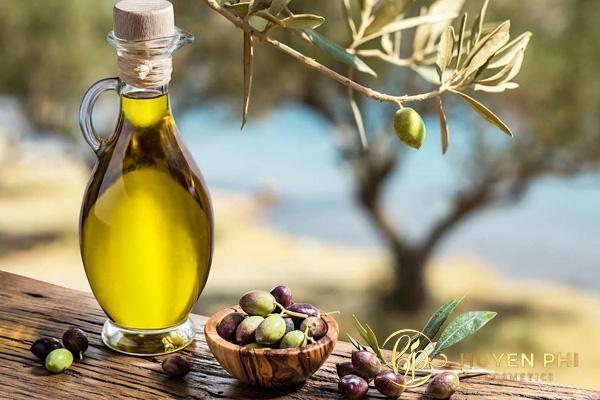 Dầu oliu chữa vitamin E chống nắng