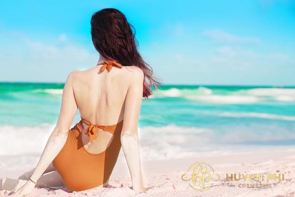 Thoa kem nên kiên trì thực hiện để có vùng da lưng quyến rũ