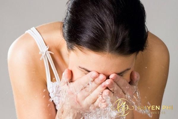 Thói quen rửa mặt hàng ngày có thể gây hại tới da