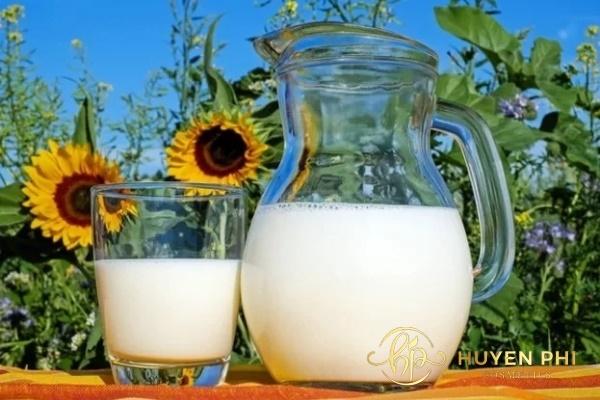 Sữa tươi giúp dưỡng da trắng mịn hoàn hảo