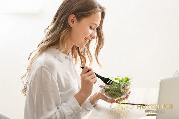 Bổ sung rau xanh vào thực đơn hàng ngày để da luôn sáng mịn
