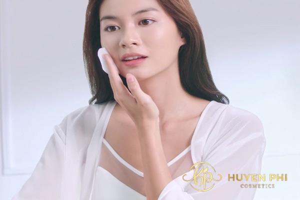 Tẩy trang giúp làm sạch sâu cho da
