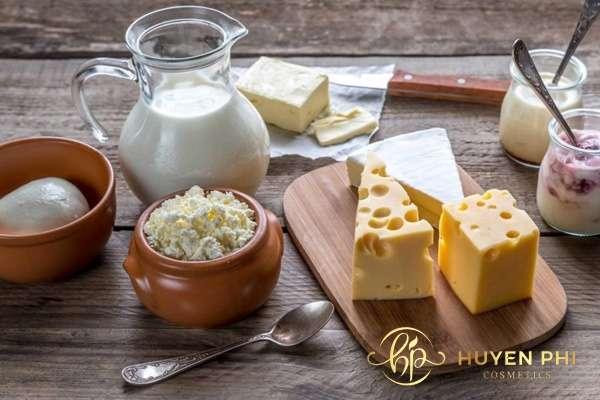 Chế phẩm từ sữa làm cho tuyến bã nhờn hoạt động mạnh