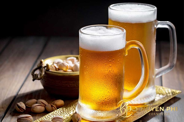 Tắm trắng da với bia là phương pháp dưỡng trắng da nhanh chóng