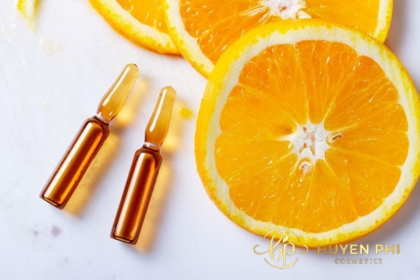 Sử dụng vitamin C rất tốt cho da dầu