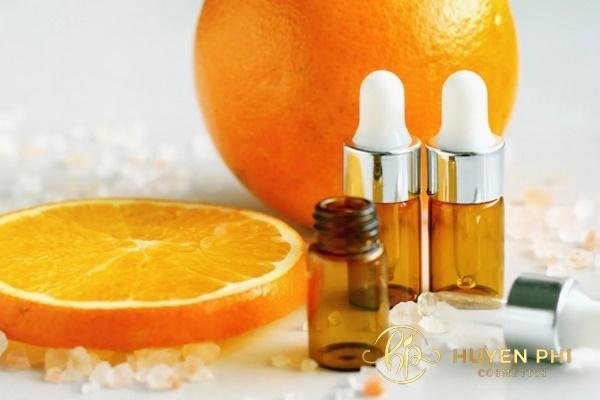 Vitamin C bổ sung dạng serum giúp làm đẹp da từ sâu bên trong