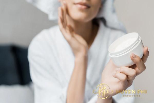 Chọn mỹ phẩm có chứa vitamin C để làm đẹp cho da dầu