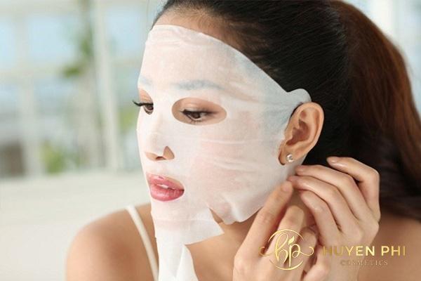 Kiên trì đắp mặt nạ để làm đẹp cho da khô