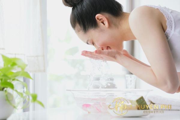 Nước vo gạo làm sạch nám da hiệu quả