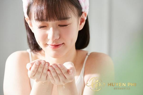 Chọn sữa rửa mặt từ thiên nhiên an toàn dịu nhẹ với da
